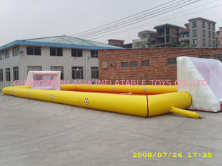 Chine Grande herbe artificielle gonflable adulte de terrain de football/terrain de football d'amusement usine